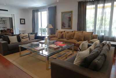 Chic 600 m2 flat in upper part of Barcelona near the famous Turo Park